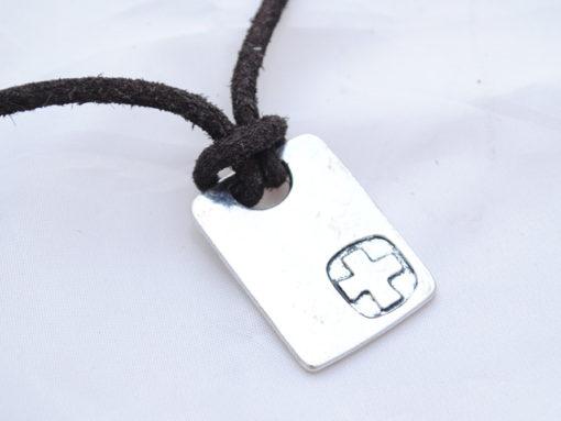 mens_necklace_cross_1